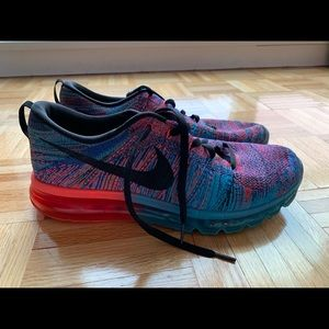 Great condition Men's Nike Shoes Size 12